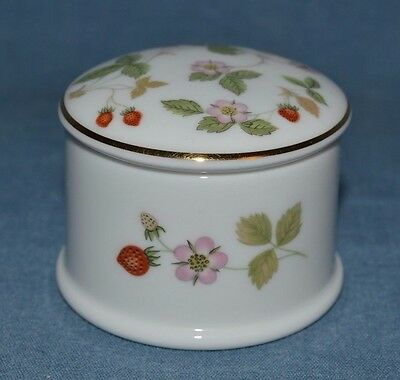 "Gorgeous Wedgwood Round Trinket Box Pattern ""wild Strawberries"" Made In Englang"