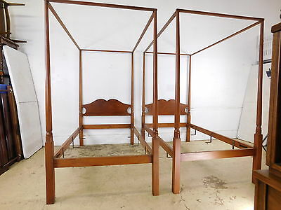 Pair Hagerty Cohasset Twin Antique Americana Style Post Canopy Beds Poster Bed