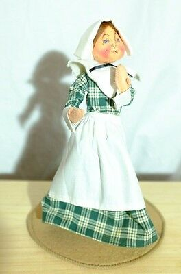 "Annalee 92 Pilgrim Thanksgiving 10"" Woman Doll on Stand"
