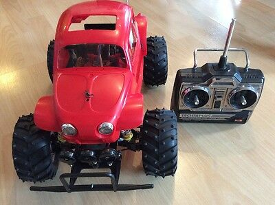 Vintage Tamiya Monster Beetle Radio Controlled Car With Acoms & New Wheels Body