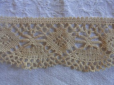 DRG22 Ancien galon dentelle du Puy beige 6cmx100cm  Old bobbin linen lace braid