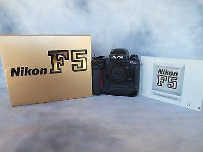 Nikon F5 SLR camera body 35mm *Like new* with Box.
