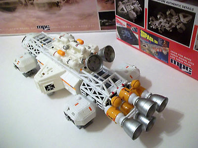 """SPACE 1999 """"LAB""""  transporter model kit. Completed 11"""" + EXTRAS !"""