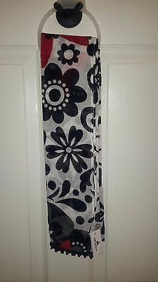 NEW Disney Parks Minnie Mouse Floral Fashions Scarf New With Tags