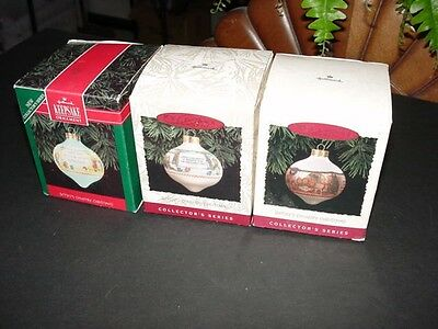 Lot of 3 - complete set - BETSEY CLARK - Country Christmas glass ball ORNAMENTS