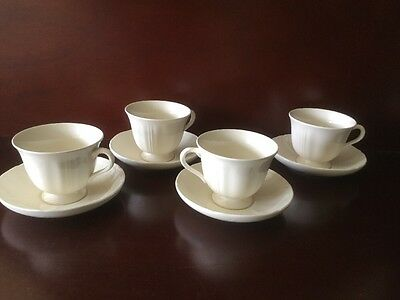 Set Of 4 Wedgwood QUEEN'S  PLAIN TEA CUPS AND SAUCERS