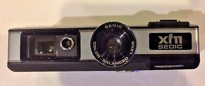 Collectible SEDIC xf11 110 Pocket Camera in Case with Documents Made in Japan A3