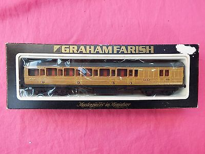 GRAHAM FARISH Boxed 00 Gauge Mainline LNER 57ft Brake End Coach  10632
