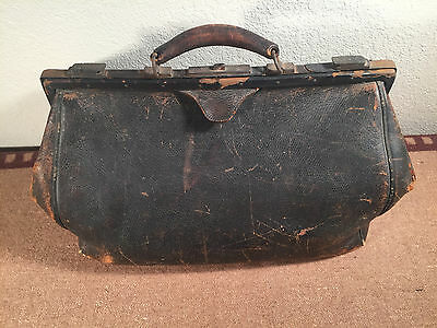 Vintage Antique Large Leather Doctor S Medical Bag Lined 16 X