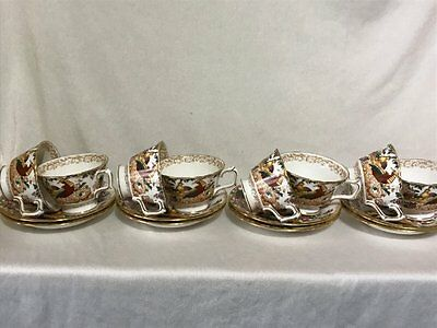 **BEAUTIFUL** Royal Crown Derby 'Olde Avesbury' 8 x Cups & Saucers