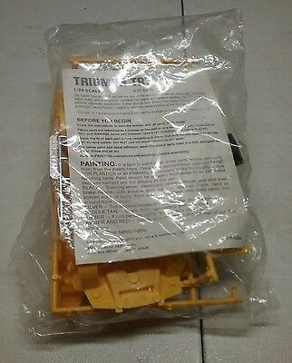Young Model Builders Club Triumph TR7 1/24 scale  (Kit 6915)