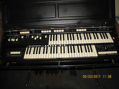 Hammond 18550K B-300 portable electric organ with pedalboard and stand