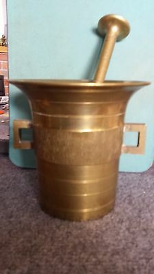 "Solid brass mortar & pestle  5-1/4"" tall & 5"" diameter  8-1/2"" long pestle"