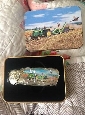 Brand New John Deere Tractor Knife in Collectible Tin