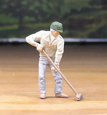 Detailed Worker Pushing Broom People Pewter Metal Figure O /s Scale Train Layout