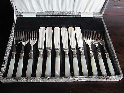 Cased Mother of Pearl & Silver Plate Fish Knives & Forks 6 Settings c.1930-40