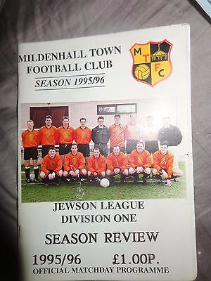 MILDENHALL TOWN SEASON REVIEW 1995-6    JEWSON LEAGUE Football Programme PP