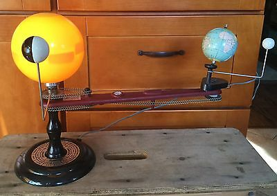 Antique Lighted Chain Drive Orrery, Planetaruim, 1960's Teaching tool