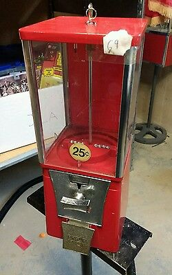 $.25 Nice Used EAGLE Candy or Gumball Vending Machine E9