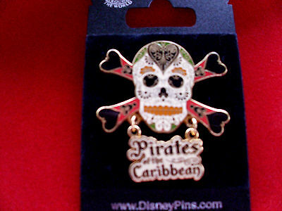 Disney * PIRATE SKULL w HEARTS FLOWERS & MICKEY ICONS * POTC New on Card Pin