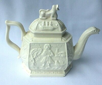 THE V&A ROYAL CREAMWARE TEAPOT - Limited Edition VICTORIA & ALBERT MUSEUM