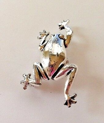 """Frog Pendant Pin VTG Jewelry Silver Color Dual Function 1 Owner 2"""" L x 1"""" W"""