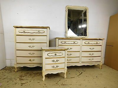 Vintage Dixie Style French Decorated Bedroom Low 6 DRAWER Dresser & Mirror