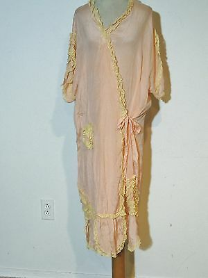 1930's Pink Silk Wrap Robe w Lace / Fabric Flowers MED