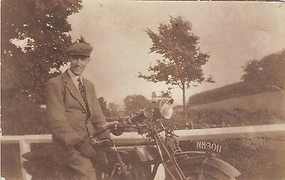POSTCARD  VINTAGE  MOTORCYCLE   ReG NO.  NH  3011