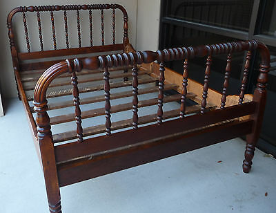 Antique Jenny Lind ¾ Size Spool-Turned or Spindled Solid Wood Bed