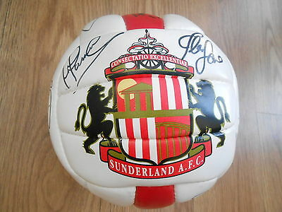 Sunderland   Football Signed By 16 Players .