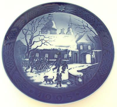 Royal Copenhagan Juleplatte 1995 Christmas Blue Plate China