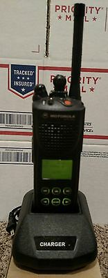 Motorola XTS3000 II UHF 450-512MHz P25 Digital W/Battery & Charger GMRS TESTED