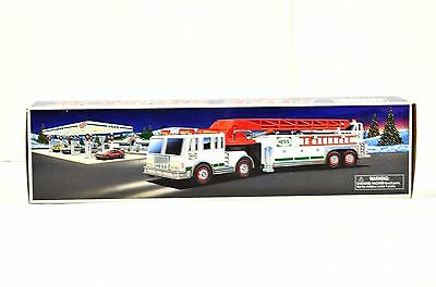 Hess 2000 Toy Truck Fire Truck New In Box