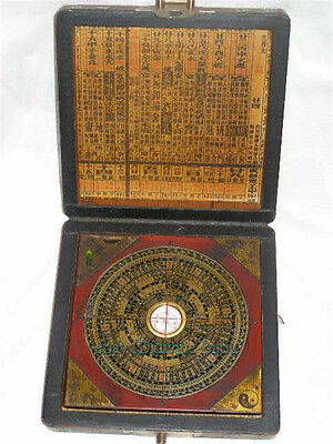 Collection Chinese ''feng shui'' compass with dragon phoenix pattern wooden box