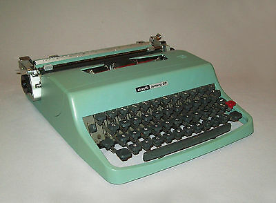 Old vtg 1960s Olivetti Lettera 32Portable Typewriter Mid Century With Case Works