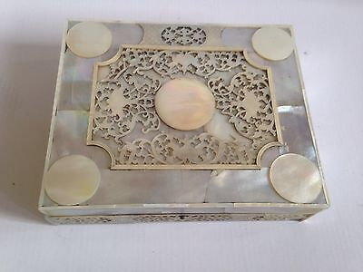 Antique Chinese Export Carved Engraved Mother Of Pearl Inlay Box