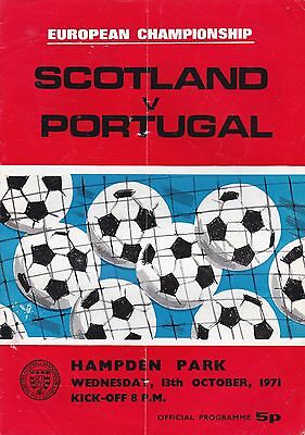 SCOTLAND v PORTUGAL ~ EURO QUALIFIER ~ 13 OCTOBER 1971 SIGNED BY TOMMY DOCHERTY