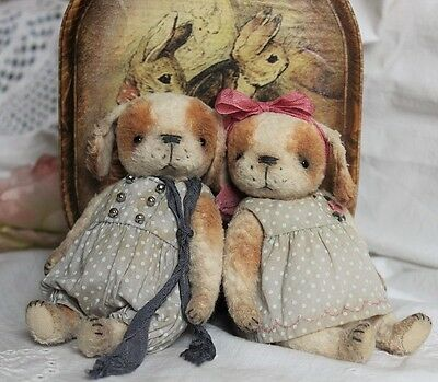 Sewing Kit Vintage Dog 5,2 Inch (On the right) Incl. Ready Dress