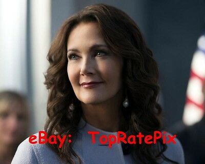 LYNDA CARTER  -  Supergirl's President Marsdin - 8x10 Photo #3