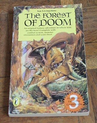 THE FOREST OF DOOM BOOK by IAN LIVINGSTONE * VINTAGE STAR COVER