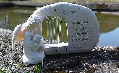 Resin dog memorial plaque with tinkling windchimes