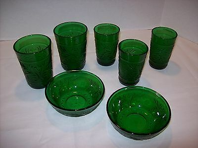 LOT OF 7 Vtg ANCHOR HOCKING FOREST GREEN SANDWICH PATTERN GLASS  BOWLS & GLASSES