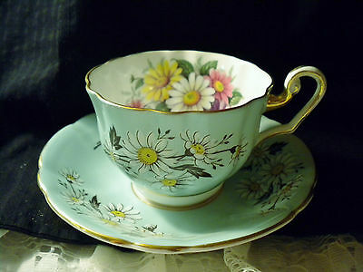 "Bone China, British By Windsor China, Cup And Saucer Set, ""daisy"" Design"