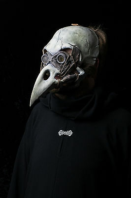 The Harbinger, plague doctor mask, bird skull