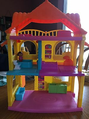 Dora Playhouse With Some Pieces Mattel