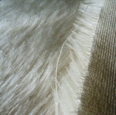 Fat 8th / 25mm White Helmbold Mohair / 25cmx37cm / 10inx14in