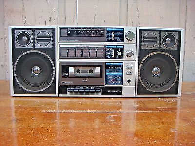 Vintage Sanyo Radio Am Fm Stereo Cassette Recorder Equalizer  Model C30 Boom Box