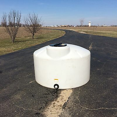 550 gallon polyethylene storage tank used