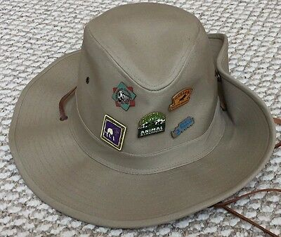 Walt Disney World WDW Animal Kingdom HARAMBE Safari L Hat & PINS Large
